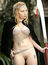 Nackte Frau Babes, WoW nude aiden medieval guard on duty