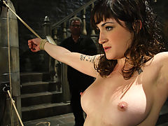 Fetish Vids: Stacy Stax is stacked but will she make it through the dunk tank?