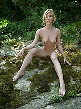 Outdoors Nippels, Julia S. - Shelf