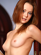 Babes Nippels, Hot Girls by MPL Studios