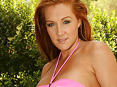 Milf Vids: Morgan reigns poses poolside for anilos.com