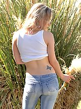 Naked Jeans, Fiona Luv flashes her stuff