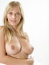 Big.Tits Nippels, Magdalene - Mighty Aphrodite
