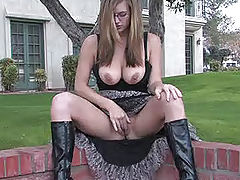 Outdoors Vids: Danielle plays with her pussy in public