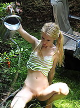 naked chick, kennedy 04 garden vulva play