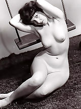 Big Nipple Pictures, Porno Photography of 1940-1950 - Hot Naked Women That Our Fathers Used To Wank on are Now Available To Enjoy