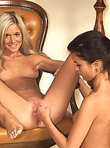 naked girls, joyce 04 spreading pussy flaps shaved cunt