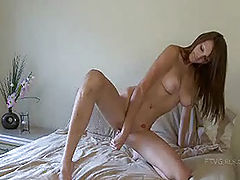 Teens Vids: Holly plays at home in her bed