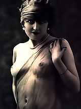 Vintage Pics: Discover the Naked Women in Photos Shot In 1920-1930 from the Vintage Porn Collection of VintageCuties.com