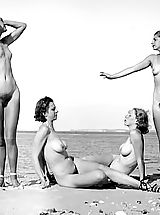 1910-1920 Dated Lewd Vintage Adult Photos Of Naked Women And Hairy Pussies