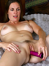 naked japanese, Anilos Laila fucks her cougar snatch with a purple toy in bed