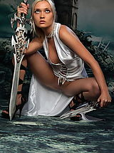 Fantasy Pics: Stunning amazon with swords and without panties