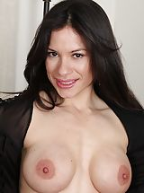 Erected Nipples, Immense Boobed Latin MOMMY Isabella Rodriquez spreading her muschi.