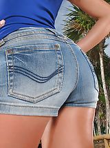 Naked Jeans, Wet Muschi Model Set 918 Gina Devine shows her rosey crotch