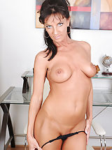nipples hard and sore, Cougar Sarah Bricks fucks her sweet pink pussy using her magic wand on the chair