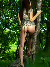 big butts, 2011 nude art experiece amelie the emerald forest