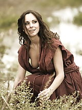 Vintage Look, WoW nude winter medieval farmers daughters