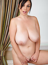 naked mature, Michelle B5
