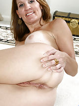 [Spintax1], Brunette Anilos Crystal loves golf but she loves getting naked and showing her mature pussy more