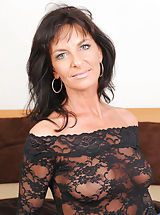 naked wives, Horny cougar Sarah Bricks really loves sucking cock and rides on it on the bed really good