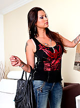 Milf Pics: Nikita Denise rocks a young studs world