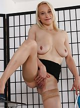 Naked Wet and Puffy, Sabina Rose