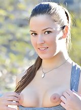 naked chicks, Carlie Love of Hiking