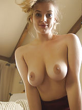 naked girls, Lotti Rose, Artistically Succulent