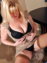 Anilos Nippels, Dawn Jilling described on Bras,Panties,Masturbation,Toys,Wet,High Heels,Mini Skirt,Stockings,Big Boobs,Landing Strip Pussy,Short Girls,Blonde,Long hair,Natural,Milf,Thick