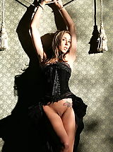 WoW nude delilah corset slave of kings